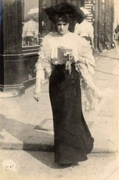 """Edwardian photographer Edward Linley Sambourne described this stylish woman as a """"shop girl."""" From his photos taken between 1905 and 1908. Source: The Royal Borough of Kensington and Chelsea Library."""