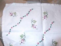 Vintage Embroidered Floral Dresser Scarf or by #PaulasVintageAttic, $8.99  #VintageLinens #VintageDresserScarf
