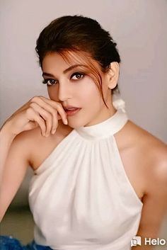 This website provides free wallpapers for the viewers and it contents all the new HD wallpapers for the people. South Indian Actress Photo, Indian Actress Images, Tamil Actress Photos, Indian Actresses, Beautiful Girl Indian, Beautiful Girl Image, Most Beautiful Indian Actress, Indian Celebrities, Beautiful Celebrities