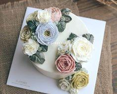 오늘도 꽃모닝 #dstorycake #buttercreamflowercake #daily #flower #buttercream #peony #cake #baking #instacake #dessert #birthdaycake #wedding #生日蛋糕 #蛋糕 #เค้กดอกไม้ #フラワーケーキ #decoration #wilton #버터플라워 #플라워케이크 #앙금플라워 #취미 #일상 #배우기 #베이킹 #꽃스타그램