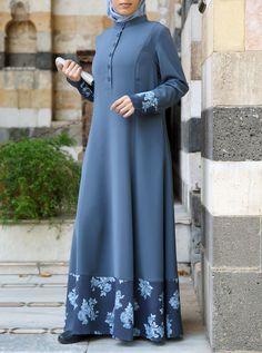 Source by taiyabasifat dresses hijab Abaya Mode, Mode Hijab, Abaya Designs, Muslim Women Fashion, Islamic Fashion, Abaya Fashion, Modest Fashion, Fashion Outfits, Hijab Mode Inspiration