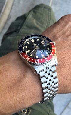 Rolex gmt 1675 pointed crownguard pepsi all red 1960.