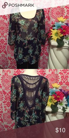 Sheer blouse Comfortable sheer blouse in very good condition. Tops Blouses