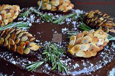 Cum se face plastelina de ciocolata? - CAIETUL CU RETETE Romanian Food, Brownies, Deserts, Anul Nou, Internet, Face, Kitchen, Corona, Sweets