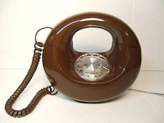Still have my Sculptura Circle Phone Vintage Donut Telephone Rotary Dial Mid-Century Modern Eames Era Vintage Phones, Vintage Telephone, Vintage 70s, Eames, Ed Vedder, Call Me Maybe, Old Phone, Ol Days, My Memory