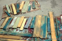 Beyond The Picket Fence: Pallet Bench Tutorial: Love the paint!