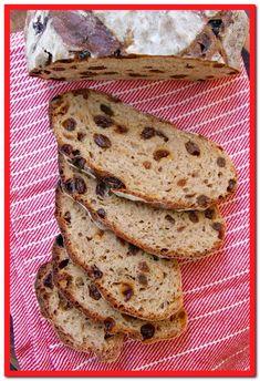 Cinnamon Raisin Bread (No-Knead Recipe) – Gemma's Bigger Bolder Baking No-Knead Cinnamon Raisin Bread – A beautiful loaf that could not be simpler to make. No Bread Diet, Best Keto Bread, Ciabatta, Pain Aux Raisins, Cinnamon Raisin Bread, Rasin Bread, Banana Bread, Blueberry Bread, Bigger Bolder Baking