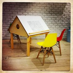 Bird Desk for Kids  Happymilk shop, calle Casp 46, Barcelona, our House-desk for kids is available for sale.