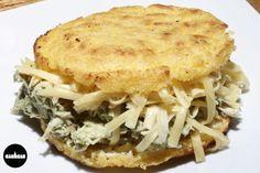 SIFRINA (cheta) pollo desmechado + palta + mayo + queso
