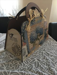 Decoupage Vintage, Decoupage Paper, Bright Toe Nails, Wooden Bag, Paper Purse, Handmade Purses, Craft Fairs, Painting On Wood, Design Projects