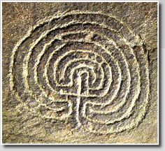 Labyrinth petroglyph  (Classical-type),  Rocky Valley, England    Photo ©: Jeff Saward/Labyrinthos