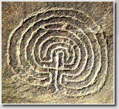 Labyrinth petroglyph  (Classical-type),  Rocky Valley, England    Photo ©: Jeff Saward/Labyrinthos