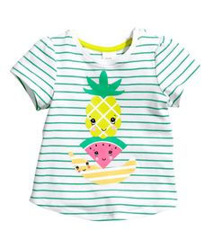 H&M offers fashion and quality at the best price – – KinderMode Kids Fashion Blog, Baby Girl Fashion, H&m Baby, Baby Kids, H&m Tops, Kids Clothes Sale, Baby Boy Photos, Kind Mode, Kids Wear