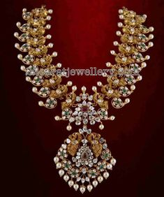 Latest Collection of best Indian Jewellery Designs. Urban Jewelry, 14k Gold Jewelry, Diamond Jewelry, Choker Jewelry, Boho Jewelry, Chokers, Antique Jewellery Designs, Jewelry Design, Indian Wedding Jewelry