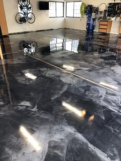 ✨Bling Bling✨ metallic epoxy man cave tricked out floor coating. Concrete Sealant, Epoxy, Jesus Artwork, Garage Floor Coatings, Bling Bling, Man Cave, Restoration, Metallic, Flooring