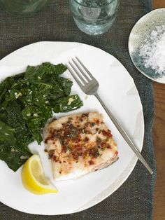 Spicy red pepper fish with lemon-garlic kale. Just one of the 40+ recipes from the #FastMetabolismDiet. This one is appropriate for Phase 2.