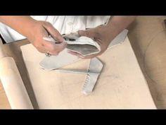 K clay lesson plan - Percussive pods Ceramic Techniques, Pottery Techniques, Ceramics Projects, Clay Projects, 3rd Grade Art Lesson, Pottery Videos, Auction Projects, Pottery Tools, Clay Tools