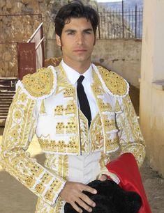 Mexican Costume, Folk Costume, Beautiful Boys, Pretty Boys, Matador Costume, Spanish Dancer, Spain Fashion, Spain Images, Foto Real