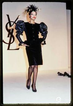 Rive gauche YSL Christian Dior, Ysl, Fashion Brands, High Fashion, Yves Saint Laurent Paris, Rive Gauche, Fashion Photo, Business Women, Vintage Outfits