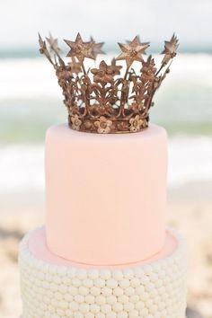 Baby pink and white wedding cake with a gorgeous crown on top - so glamorous #wedding #weddingcake #cake #pink #glam