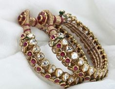 Polki and rubies Gold Bangles Design, Gold Jewellery Design, Gold Jewelry, Stylish Jewelry, Fashion Jewelry, Gold Fashion, Rajputi Jewellery, Antique Jewellery Designs, Indian Wedding Jewelry