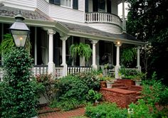 New Orleans, Louisiana - Garden District, Southern Style