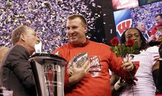 Wisconsin won the inaugural Big Ten Football Championship with a victory over Michigan State in Indianapolis. Badger Coach Bret Bielema accepts the trophy from Jim Delaney of the Big Ten with Aaron Henry holding the roses. University Of Wisconsin Football, Big Ten Football, Wisconsin Badgers, Michigan, Roses, Sports, Hs Sports, Pink, Rose