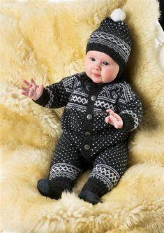 Kjøp Tema 30 klassikere til baby hos Nøstenett - Nøstenett - Dine nøster, rett hjem! Baby Sweater Patterns, Knit Baby Sweaters, Knitted Baby Clothes, Baby Clothes Patterns, Baby Knitting Patterns, Baby Patterns, Easy Baby Blanket, Baby Blanket Crochet, Crochet Baby