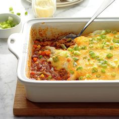 Chili Cottage Pie Recipe -This filling cottage pie is super simple and loaded with flavor. The kids love to help layer it up. Frozen Cauliflower Recipes, Frozen Vegetable Recipes, Frozen Vegetables, Veggies, Casserole Recipes, Meat Recipes, Dinner Recipes, Cooking Recipes, Dinner Ideas