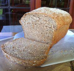 Pão farelo de aveia (coloquei + 1 colher agua e mais um pouquinho de sal)