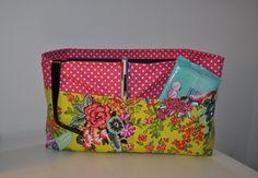 Organizador Diaper Bag, Fashion, Organizers, Custom In, Fashion Styles, Diaper Bags, Mothers Bag, Fashion Illustrations, Trendy Fashion