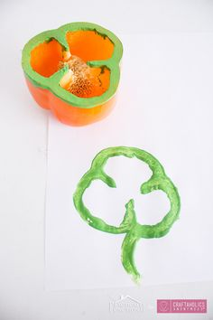 Kids craft for St. Patrick's Day || Pepper shamrock stamps