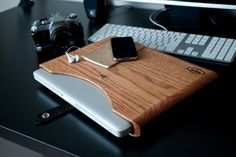 Great macbook case: Wood inspiration, so natural, so cool :) #mac #apple