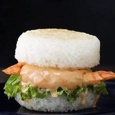 Shrimp Tempura Rice Burger Recipe by Tasty Sushi Recipes, Burger Recipes, Baby Food Recipes, Asian Recipes, Cooking Recipes, Healthy Recipes, Cooking Games, Rice Burger Recipe, Sushi Stacks Recipe