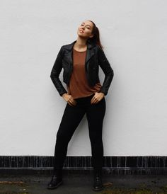 IDEALIST STYLE OUTFITS - IDEALIST STYLE New Outfits, Fashion Outfits, Slow Fashion, Fashion Advice, Body Types, Cool Style, Normcore, Fashion Looks, Warm