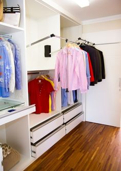 closet com cabideiro extensível