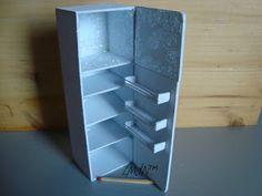 how to: miniature refrigerator