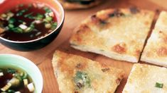 This recipe for vegan Taiwanese scallion pancakes is a variation of a recipe that is popular among local street vendors in China, Malaysia, and Taiwan. Scallion Pancakes Chinese, Thing 1, Asian Recipes, Easy Recipes, Asian Foods, Chinese Recipes, Summer Recipes, Ethnic Recipes, Appetizer Recipes