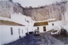 Foto de Ayer y hoy del castillo plaza de armas.