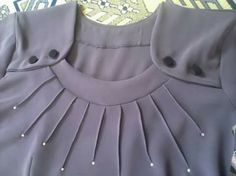 Try different buttons combo This Pin was discovered by Bea This post was discovered by Beauty Bansal.) your own Posts on Unirazi. Neckline Designs, Dress Neck Designs, Sleeve Designs, Blouse Designs, Girl Fashion, Fashion Dresses, Fashion Design, Diy Clothes, Clothes For Women