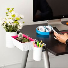 Small Desk, No Problem