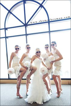 Such a fun photo idea for bride and bridesmaids! Haha definitely doing this!! Gotta have the Diva photo's
