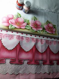 Tole Painting, Fabric Painting, Fabric Art, Painted Clothes, Table Runners, Still Life, Coloring Pages, Decoupage, Stencils