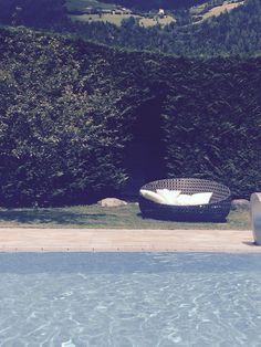 #südtirol am #pool auf der #Gartenlounge