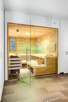 Moderne Sauna in Eiche Crack und großzügigen Glasflächen Sauna Steam Room, Sauna Design, Spa Rooms, Home Spa, My Dream Home, Modern, Villa, Bathroom, Interior
