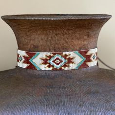 Beaded Hat Bands, Beaded Cuff Bracelet, Bead Loom Bracelets, Bead Loom Patterns, Beading Patterns, Beading Ideas, Western Hats, Cowboy Hats, Native American Beading