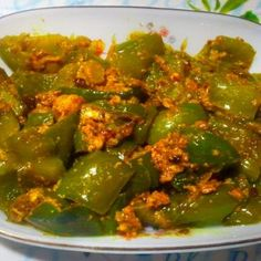 Chinese Cuisine has become very important part of our Indian culture and we love to eat Chinese with all our heart. Chaat Masala, Garam Masala, Palak Paneer, Indian Recipes In Hindi, Indian Food Recipes, Ethnic Recipes, Easy Chinese Recipes, Mint Recipes, Evening Snacks
