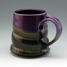 I love the glaze work on this piece... also the handle. Seen on the Etsy shop: MarksPottery