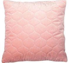 Geef je huis een luxe uitstraling met dit antiek roze kussen Leraine, dankzij het diamant stiksel en velours katoen  - Goossens wonen & slapen