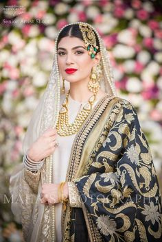 Muslim Brides Who Wore The Most Stunning Wedding Outfits Ever Pakistani Wedding Outfits, Pakistani Wedding Dresses, Bridal Outfits, Indian Dresses, Indian Outfits, Wedding Hijab, Desi Wedding, Wedding Ideas, Look Short